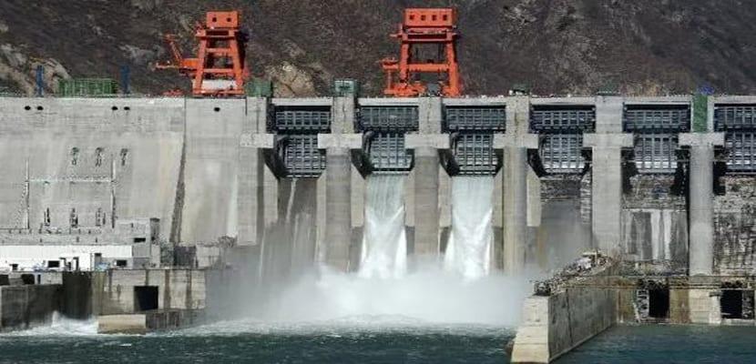La energía hidroeléctrica en España lleva produciendo luz más un siglo | Renovables Verdes