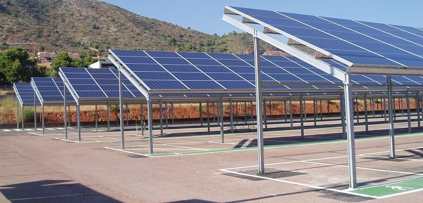 Cubriendo un parking con marquesinas solares - Energia solar madrid ...