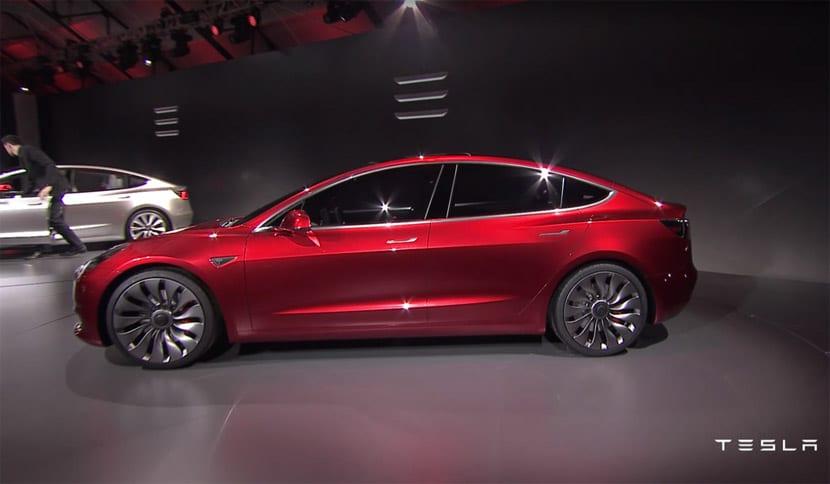 Tesla Model 3, modelo bastante más económico que los anteriores