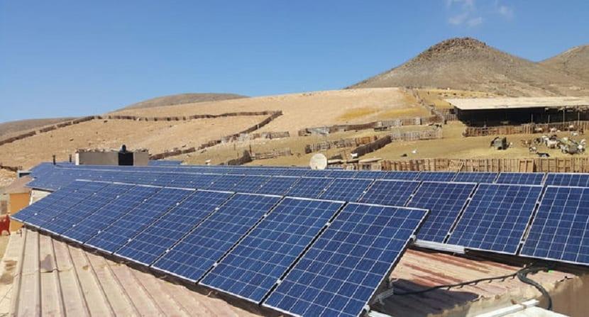 paneles-solares-granja-caprina