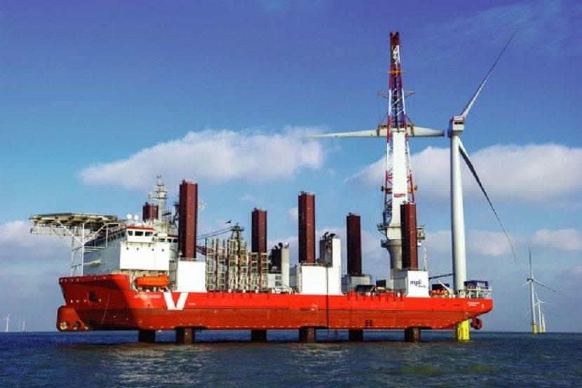 Montaje parque eólico marino