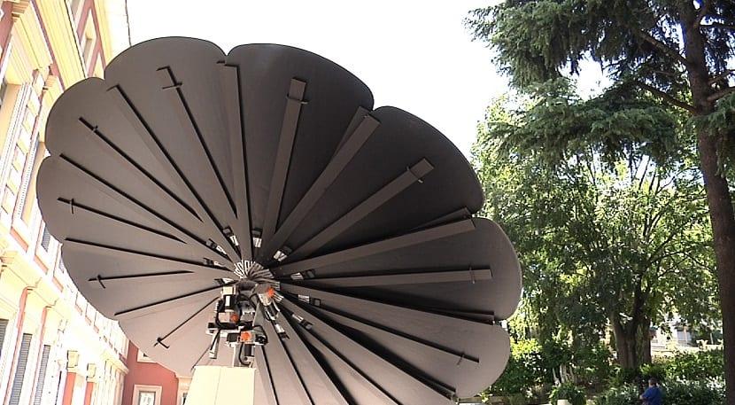 girasol inteligente que se mueve con el sol