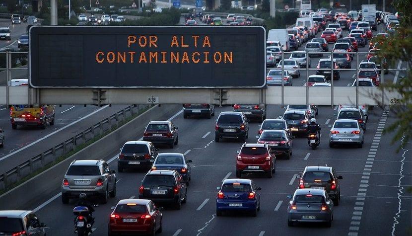 España tiene que reducir la contaminación mediante los vehículos eléctricos