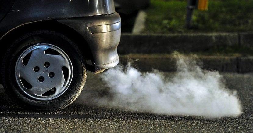 los coches contaminan las ciudades