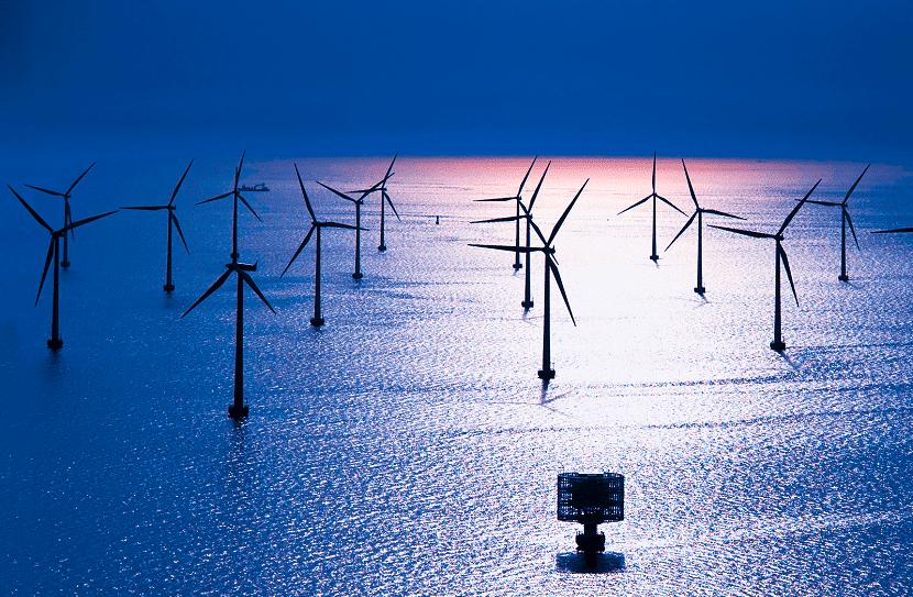 Parque eólico en el mar