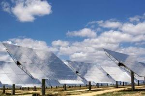 la energía solar se ve reducida por la contaminación