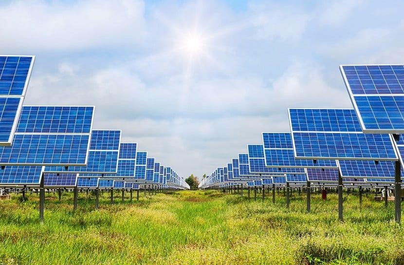 precio de energia solar baja