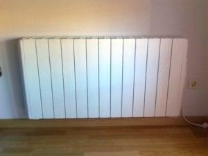 radiador de calor azul