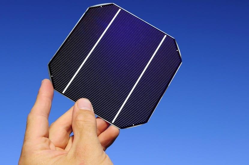 célula fotovoltaica utilizada para generar energía