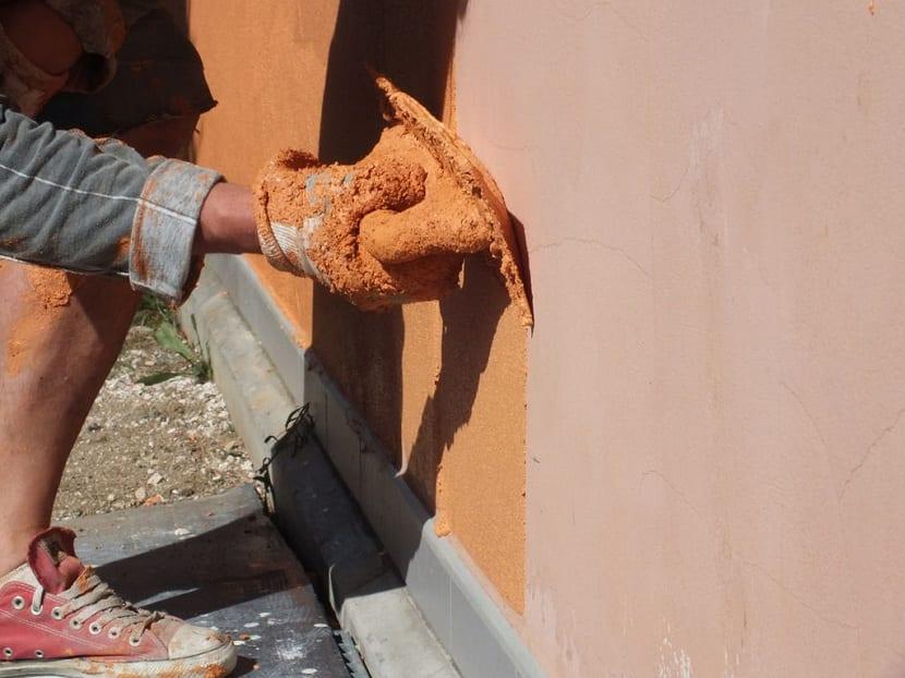 Pintura aislante para fachadas