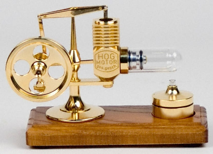 Motor Stirling dorado