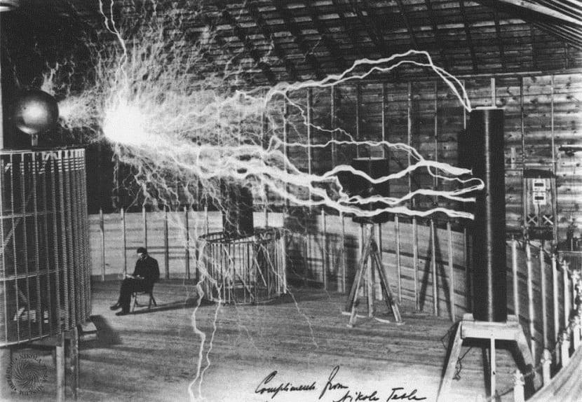 Dinamo inventado por Nikola Tesla