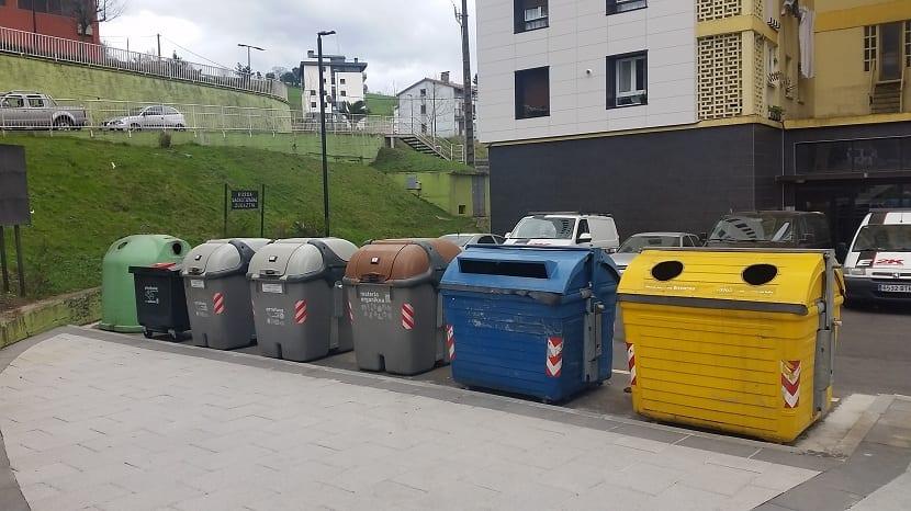 Todos los contenedores de reciclaje