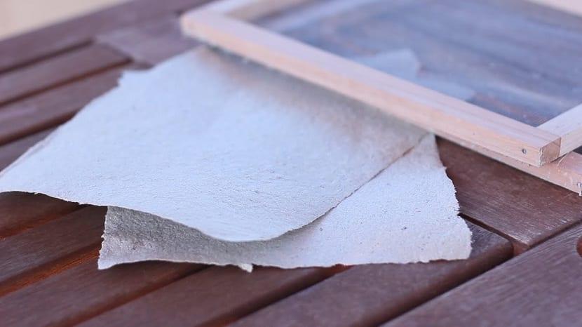 Reciclar papel en casa