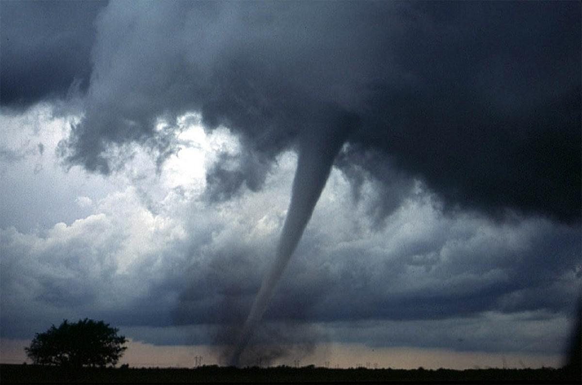 Diferencias entre huracán y tornados definiciones