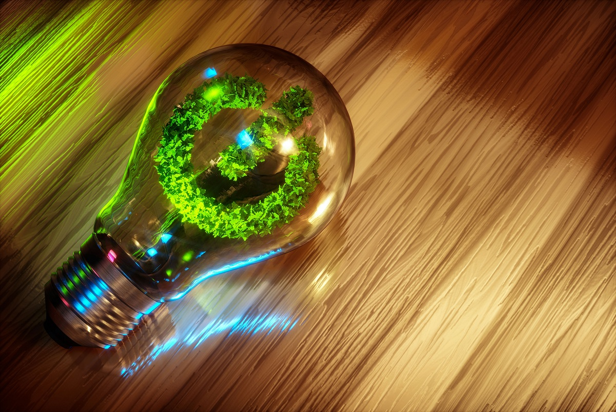La sociedad en la que vivimos avanza a ritmos que no pueden ser sostenibles en el tiempo. Cada vez son más los productos que se producen a diario y que se consumen a gran velocidad. La producción requiere de energía y la eficiencia o la sostenibilidad de dicha energía depende de la procedencia. La sociedad se ha acostumbrado a reciclar y a habituarse a separar los residuos. Sin embargo, una forma de contribuir a la sostenibilidad del planeta mucho más directa es la eficiencia energética. En este artículo vamos a contarte qué es la eficiencia energética y qué importancia tiene para la conservación del planeta. Qué es la eficiencia energética La producción es la principal fuente de contaminación debido a que las energías que se emplean para ello no son sostenibles. Es decir, se abusa del uso de los combustibles fósiles para la generación de energía que luego se utilizará para producción o uso. Debemos tener en cuenta que, si las fuentes de energías son renovables, la contaminación será nula o muy baja. La sociedad actual no es consciente de la cantidad energía que se desperdicia a diario mide la procedencia de dicha energía. Sin embargo, hay cada vez más conciencia de lo importante que es reducir el consumo. Contaminamos nuestro planeta un ritmo demasiado acelerado y hemos pasado la huella de carbono en casi todos los lugares del planeta. Para poder reducir el impacto que generamos en los ecosistemas hielo recursos naturales, debemos emplear la eficiencia energética. La eficiencia energética se define como el uso eficiente de la energía. Es decir, un aparato será eficiente cuando su proceso o instalación es energéticamente más bajo, llegan a consumir una cantidad inferior a la media de energía para realizar una actividad. Una persona, servicio o producto que sea eficiente y que esté comprometido con el medioambiente no necesitará tanta energía para realizar el mismo trabajo y poder ahorrar mayor cantidad energía. Además, intentará que el origen de la energía sea renov