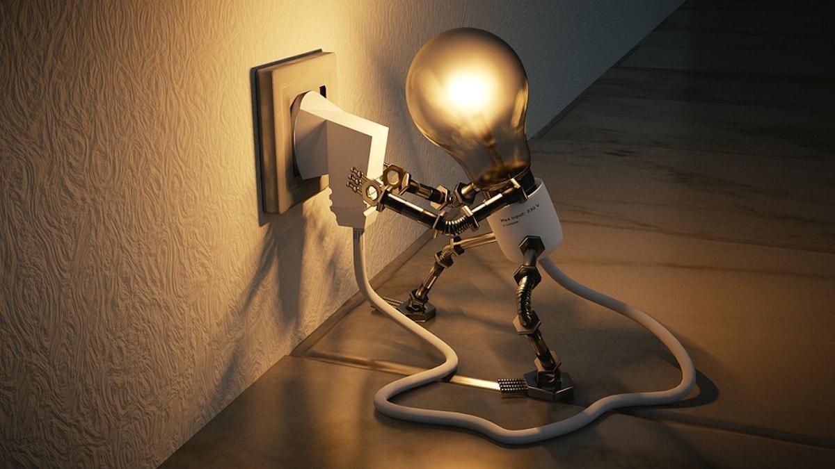 que potencia de luz contratar en casa