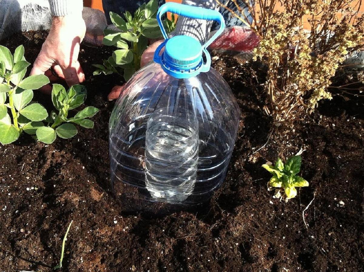 soluciones de riego con botellas